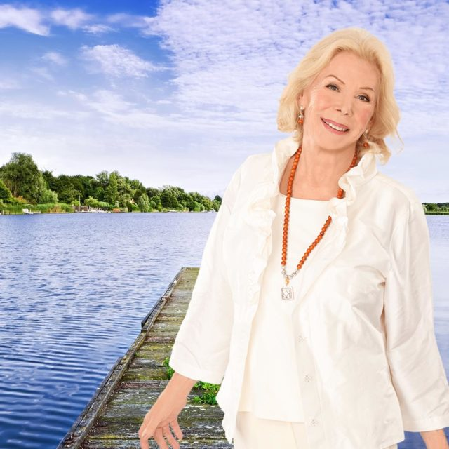 HOMENAJE A LOUISE HAY